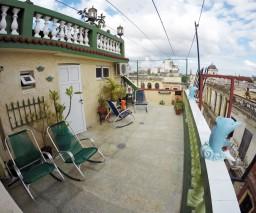 Upper floor balcony of Mirador de Paula casa particular