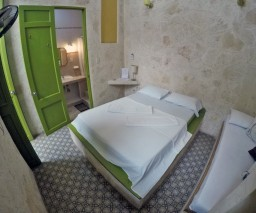 Room 3 of Casa Obrapia in Old Havana with its ensuite bathroom